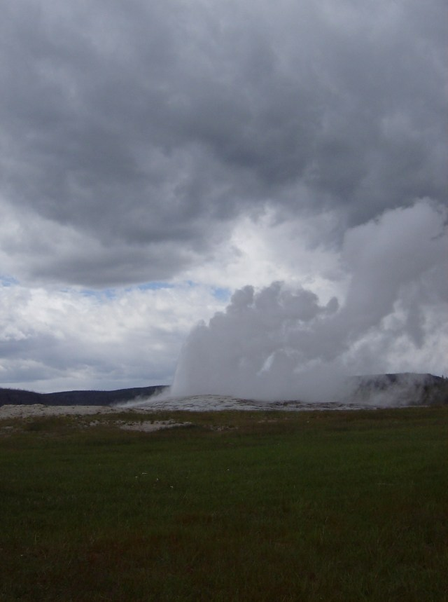 Yellowstone with kids: Old Faithful