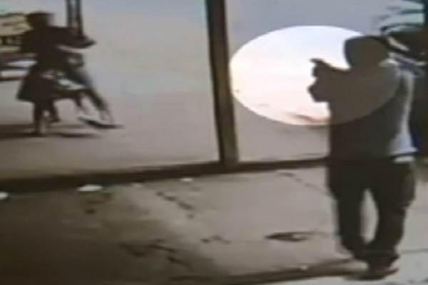 Pai é assassinado a tiro ao salvar a vida da filha