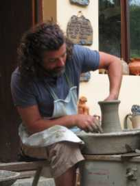 Daniel Leş at work