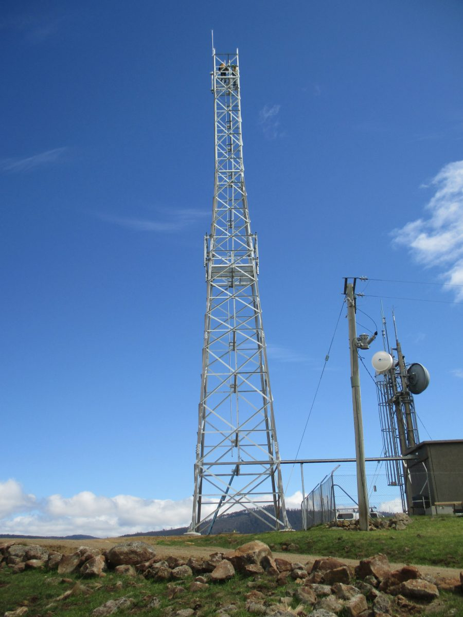 Self Supporting Towers: Triangular & Square Lattice Towers