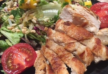 houston's grilled chicken salad recipe