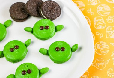 Baby-Yoda-easy-Oreo-cookie-recipe