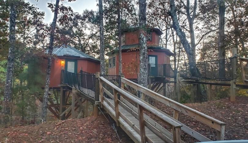 treehouse-lodging-adventure-roamilicious