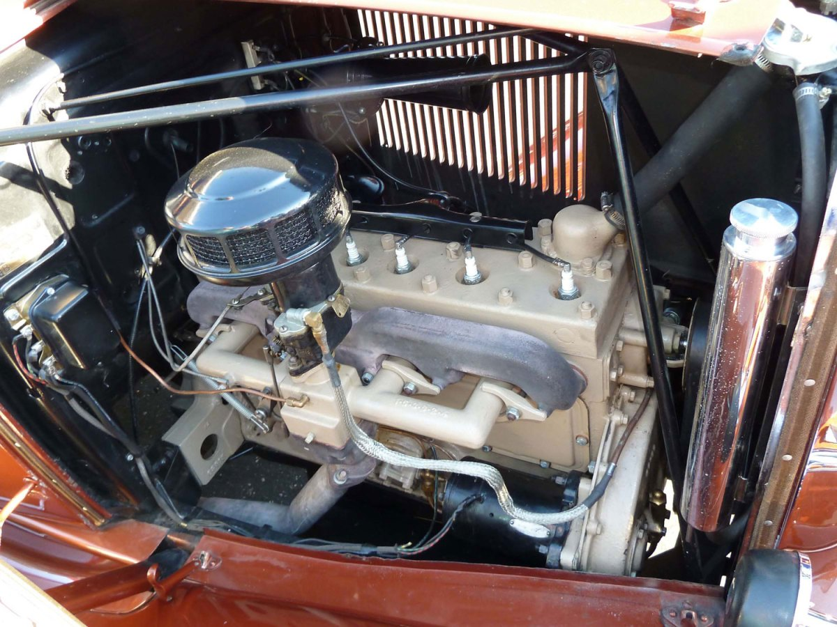 1932 Hupmobile Roadster-engine - Joe W.