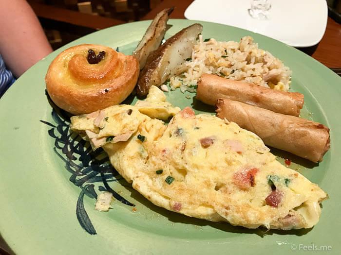 Hyatt Regency Kinabalu Breakfast Omelette and Spring rolls