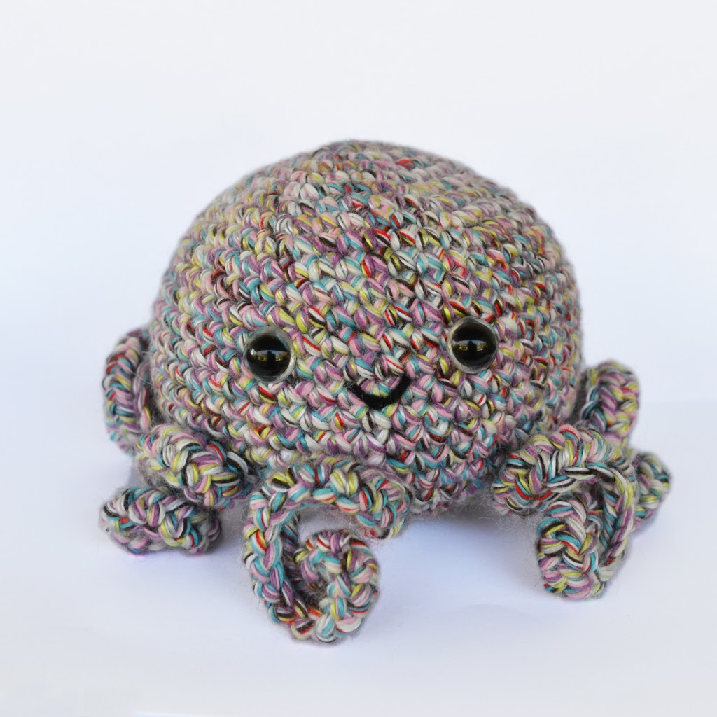 Octopus Amigurumi - Free Crochet Pattern - StringyDingDing | 1024x1024
