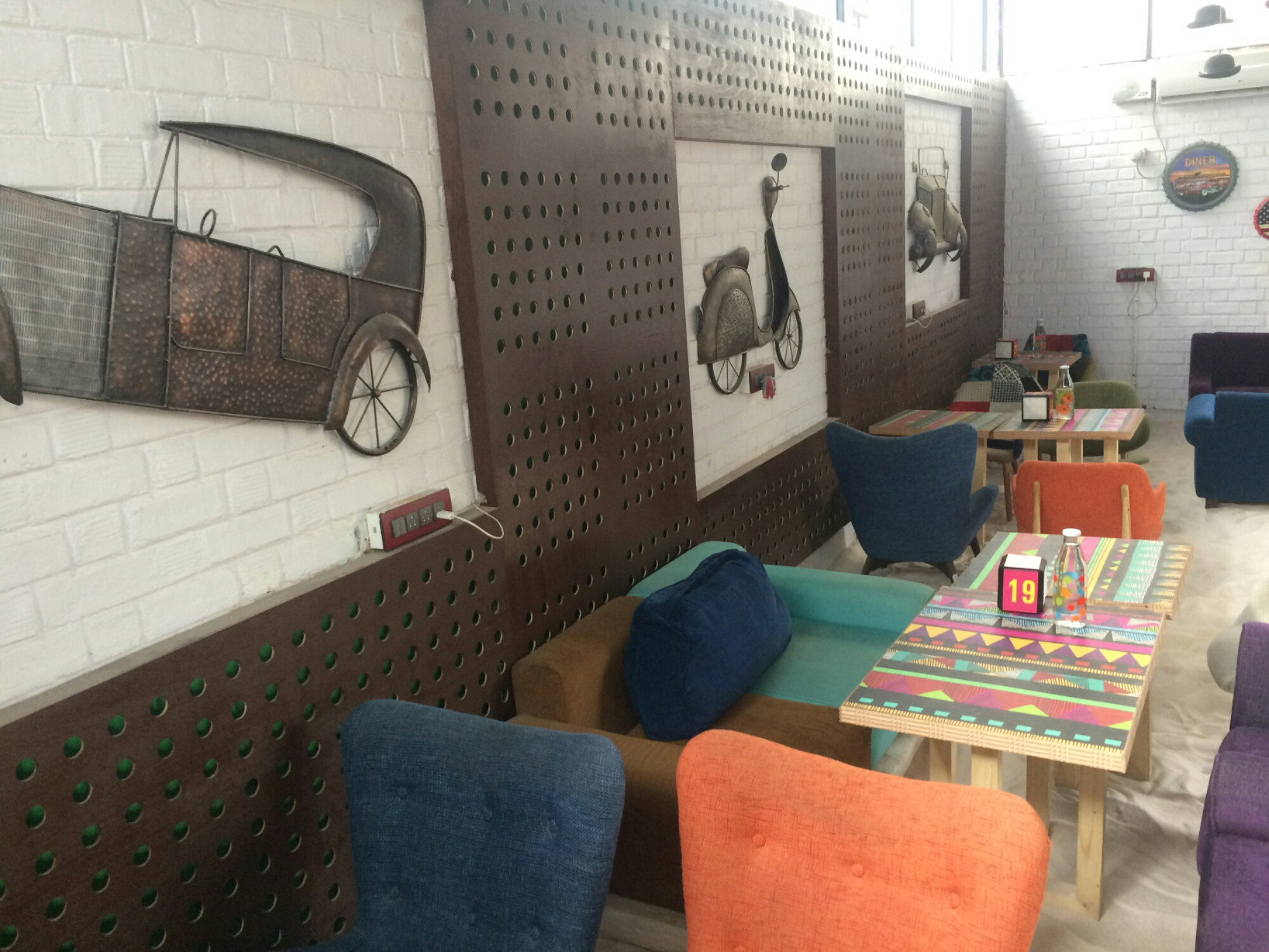 Featured In Newly Opened Restaurants On Zomato And Few Of The Good Reviews Lead Us To This Cool Place A Lazy Eveningu With Living Room