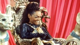 cat-woman-eartha-kitt-2