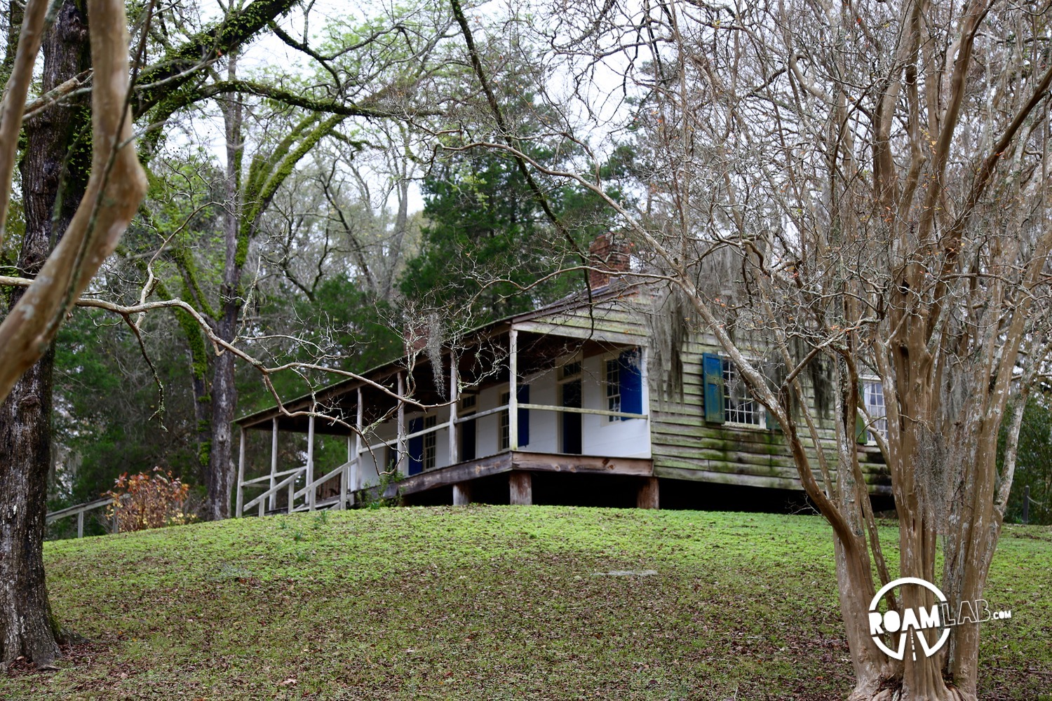 Mount Locust Inn is one of the few remaining stands along the Natchez Trace.