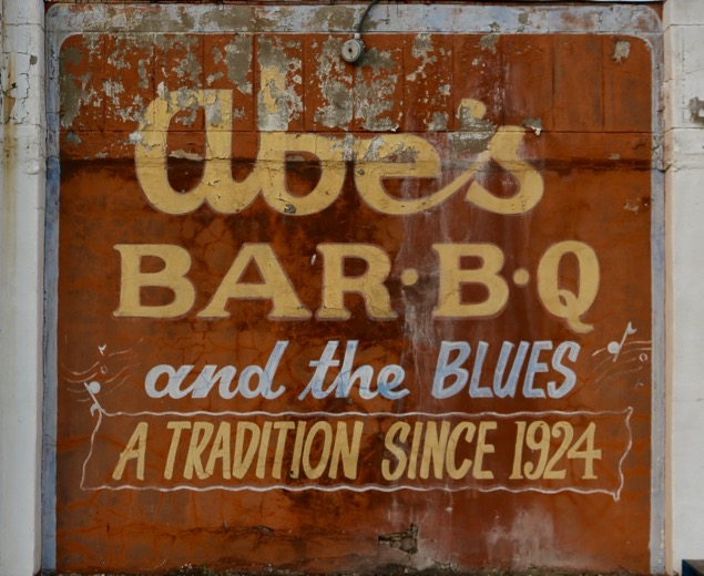 Bar-B-Q and the Blues in Mississippi