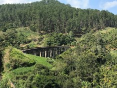 Nine Arches Bridge sans train views.