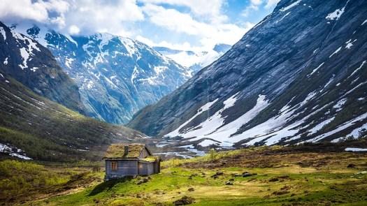 mountains-962797_640