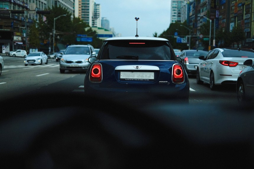 Mini sees another Mini Cooper