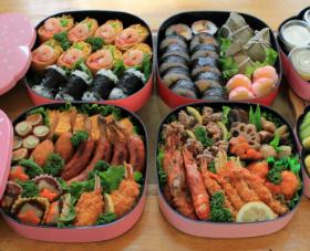 運動会のお弁当の重箱の画像