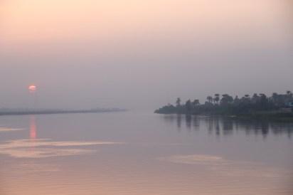 Sailing down The Nile (3)
