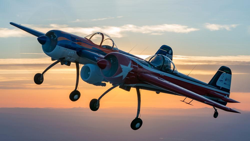 03 Destacada - El Yak 110 es lo que obtienes cuando combinas dos aviones