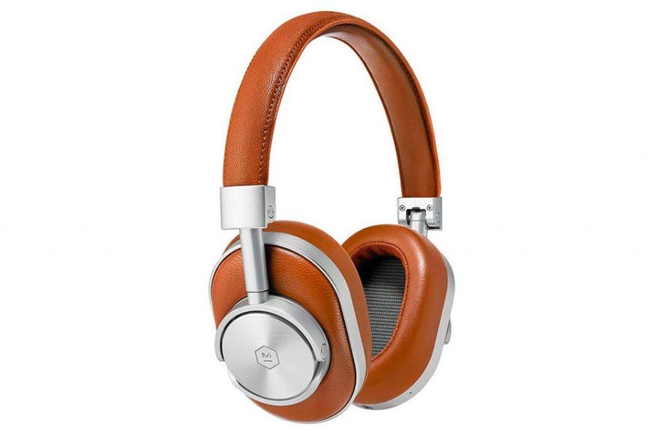 1  1024x683 - Cinco audifonos headphones que todo melómano querrá tener