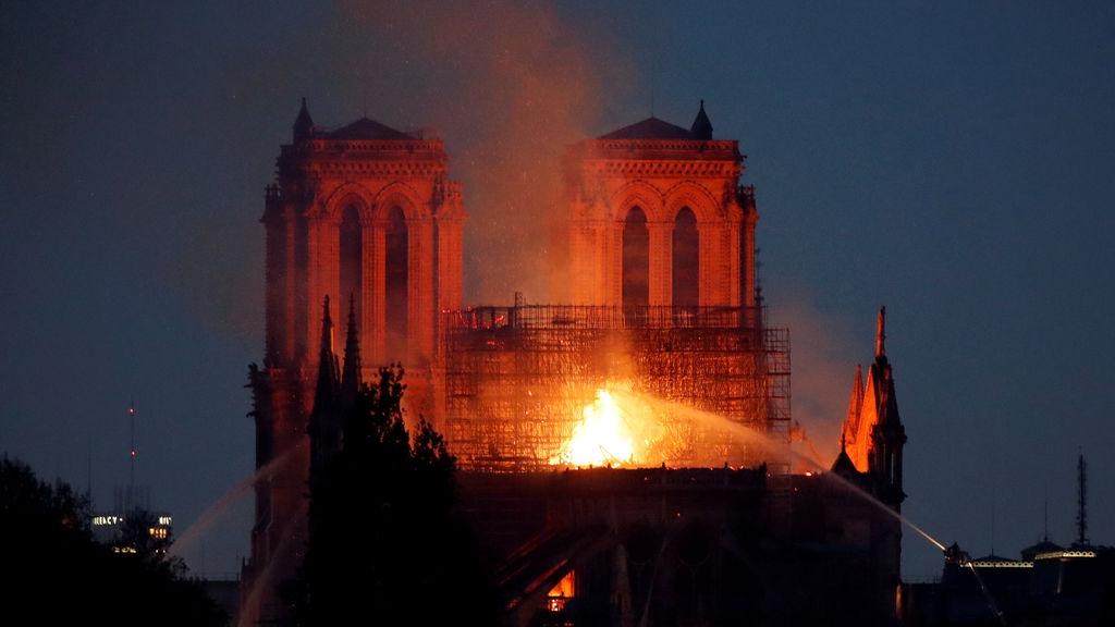 42Gfgiox8Bl32t2oM6Jce1 1024x576 - La restauración de Notre Dame podría basarse en este videojuego