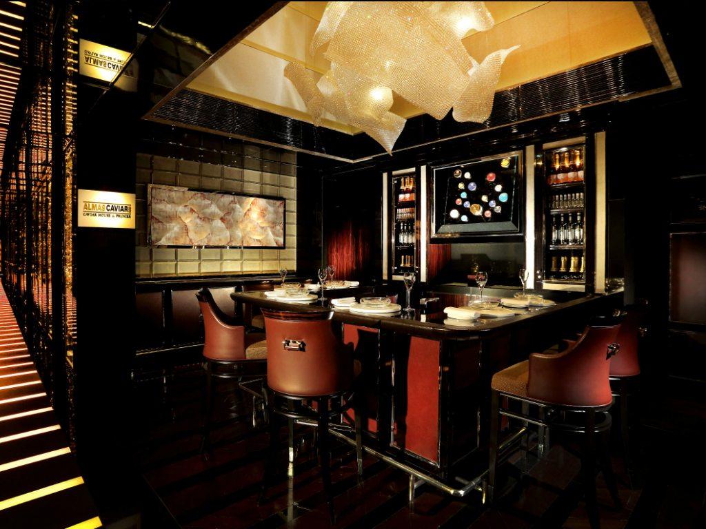 El Ritz Carlton Hong Kong inaugura su bar de caviar