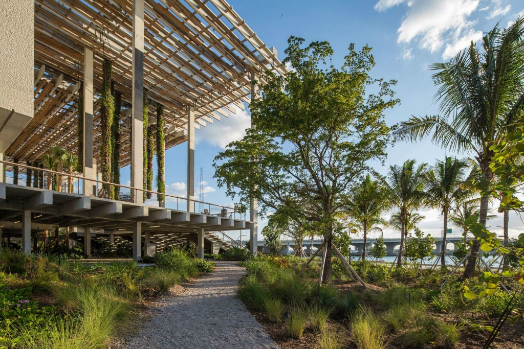 Arch2OPerez Art Museum Miami Herzog de Meuron 11 1024x683 - Seis lugares para conocer Miami como todo un local en tu próxima visita