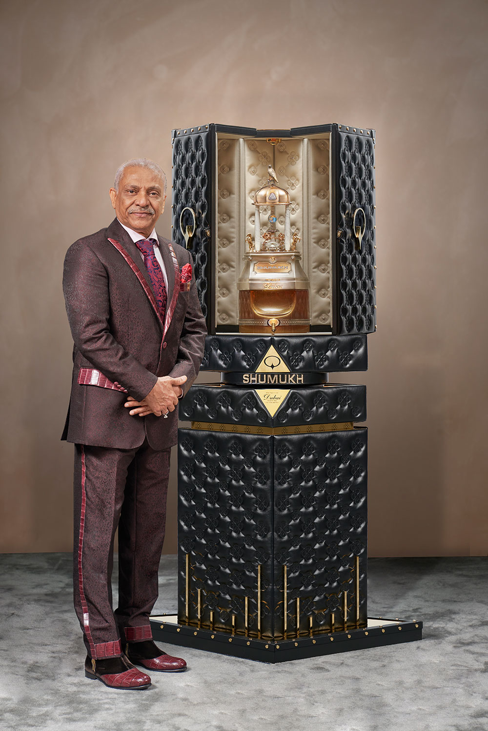 Ashgar adam ali mostexpensiveperfumes resources1 - ¿Estarías dispuesto a pagar 1.3 millones de dólares por un perfume? Dubai tiene el perfume más caro del mundo