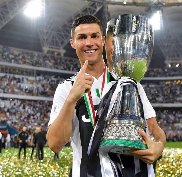 cristiano2 1024x995 - 10 millonarios datos que no sabías de Cristiano Ronaldo