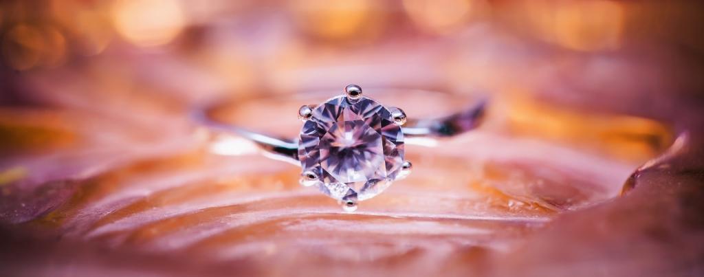 diamond 1839031 1920 1024x403 - 30 años de la World Wide Web: Cómo Internet te permite hacer compras de millonario