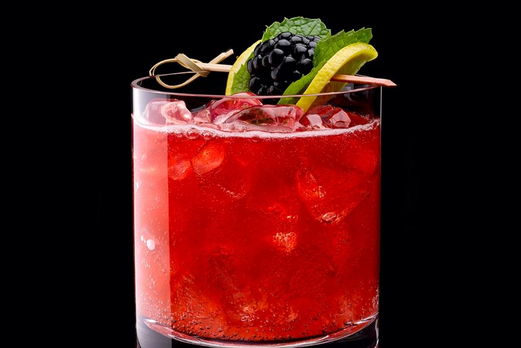 Herradura Barcelonnette on Black 1024x683 - Lúcete esta navidad con estos cócteles preparados con Tequila Herradura
