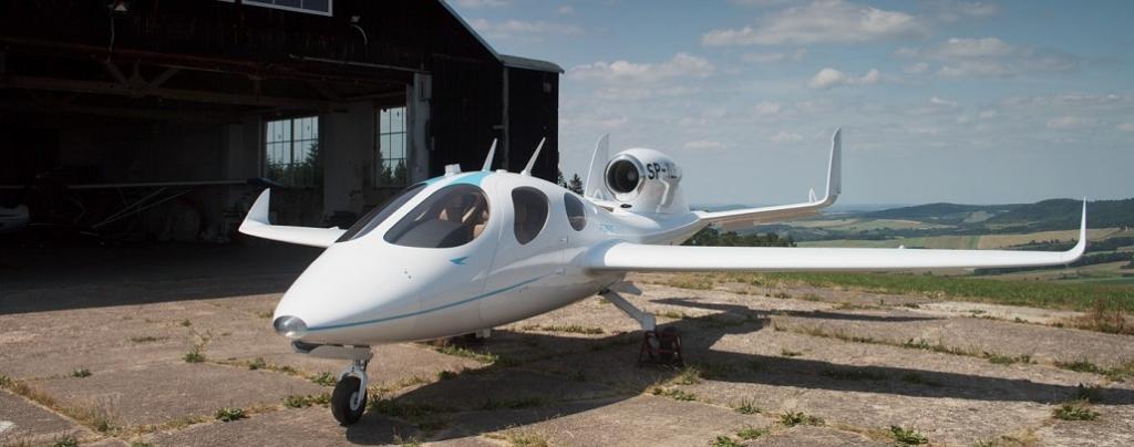 IMG 6368 1030x406 1024x404 - ¡Olvida los aeropuertos! Flaris LAR 1 es el jet de lujo que cabrá en tu garaje