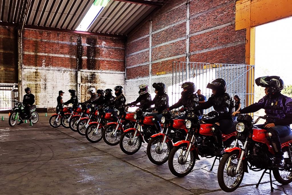 indian2 1024x683 - ¿Por qué todas las mujeres deberían atreverse a conducir una motocicleta?
