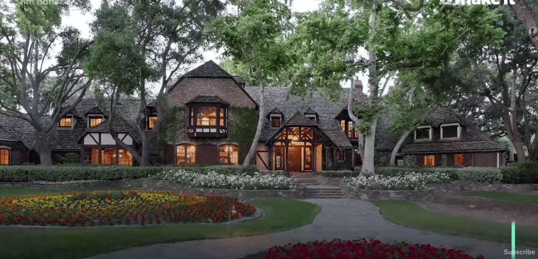 mansion villa building house cottage housing - Neverland, el magnífico rancho de Michael Jackson está en descuento y puede ser tuyo
