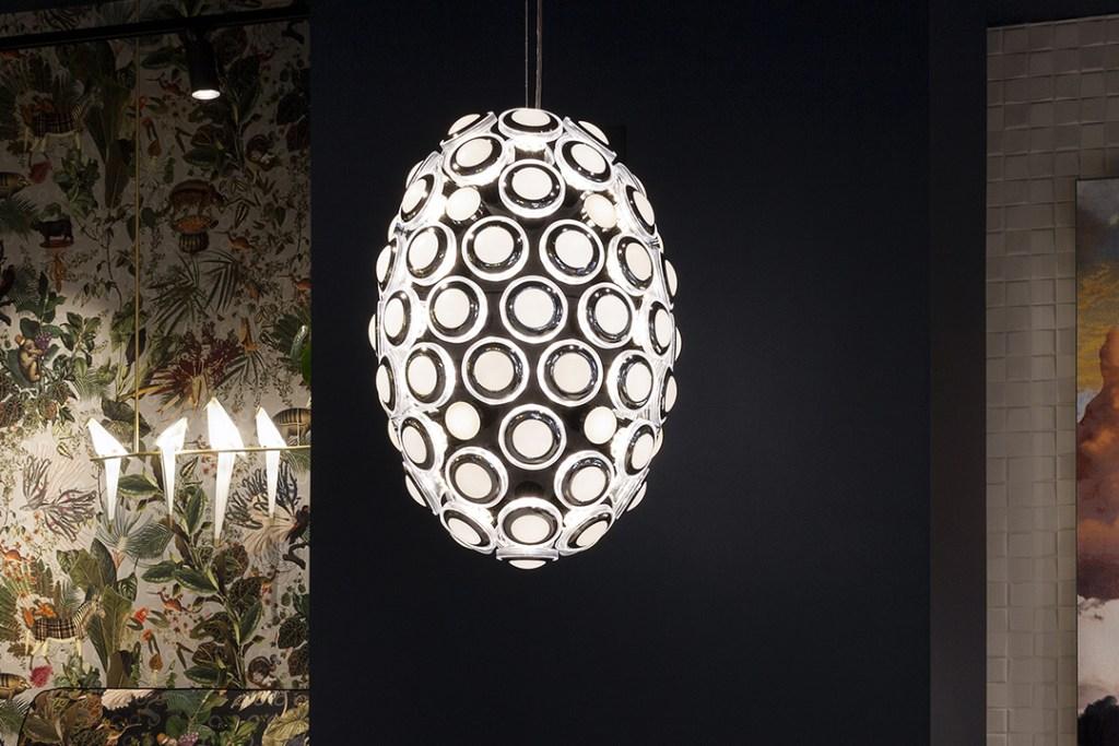 'Iconic Eyes' la lámpara inspirada en los clásicos faros de BMW
