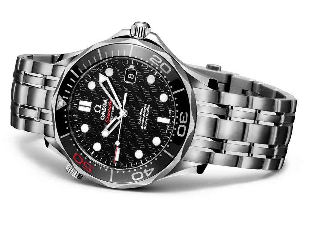 Omega presenta un nuevo reloj que celebra a James Bond