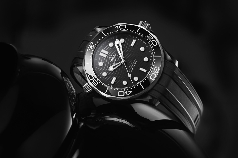 Omega Seamaster Diver 300M Ceramic and Titanium 210.92.44.20.01.001 collection 2019 5 - 5 relojes con estilo para tus próximas aventuras en el fondo del océano (sólo para él)