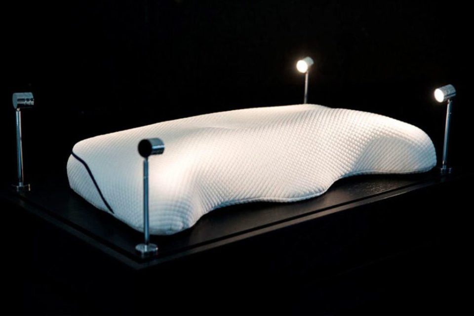 Pillow 2 1024x683 - ¿Pagarías 56 mil 995 dólares por tu almohada?