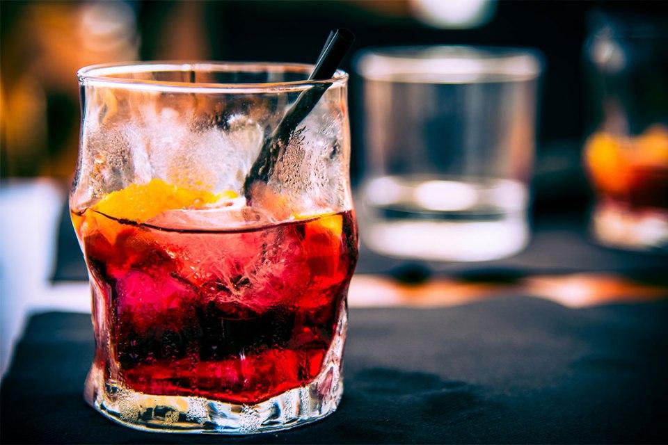 sangr%C3%ADa 1024x683 - Cinco cócteles que puedes preparar con Rémy Martin