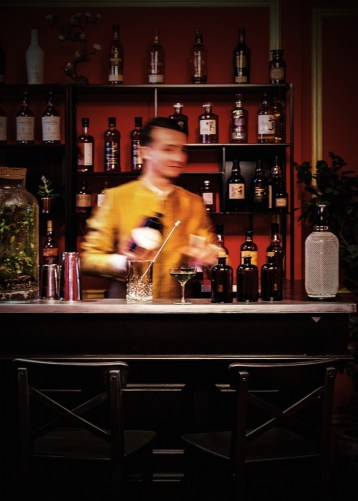 S%C3%92NG Bar @ Michel Figuet 731x1024 - Este es el bar que debes visitar para tener las mejores vistas de la Torre Eiffel