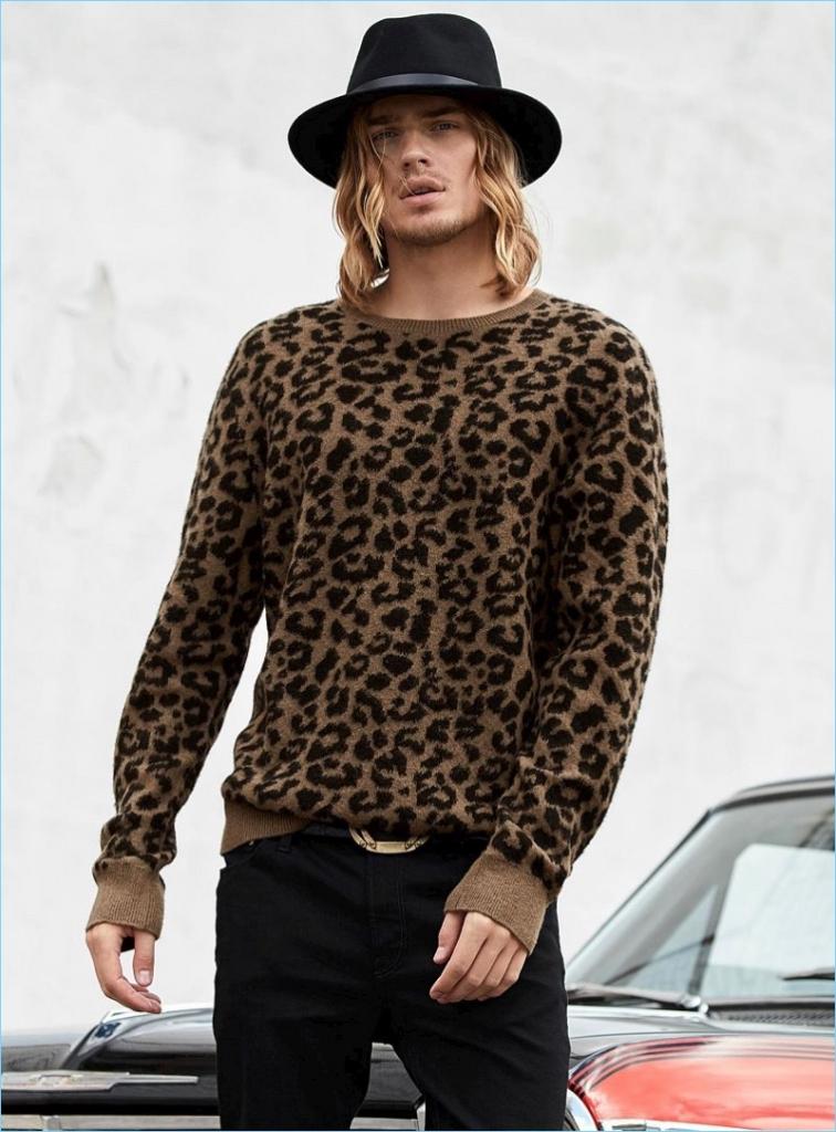 Simons Glam Rock 2017 Mens Lookbook Ton Heukels 003 756x1024 - Siete tips para usar animal print sin perder la sofisticación