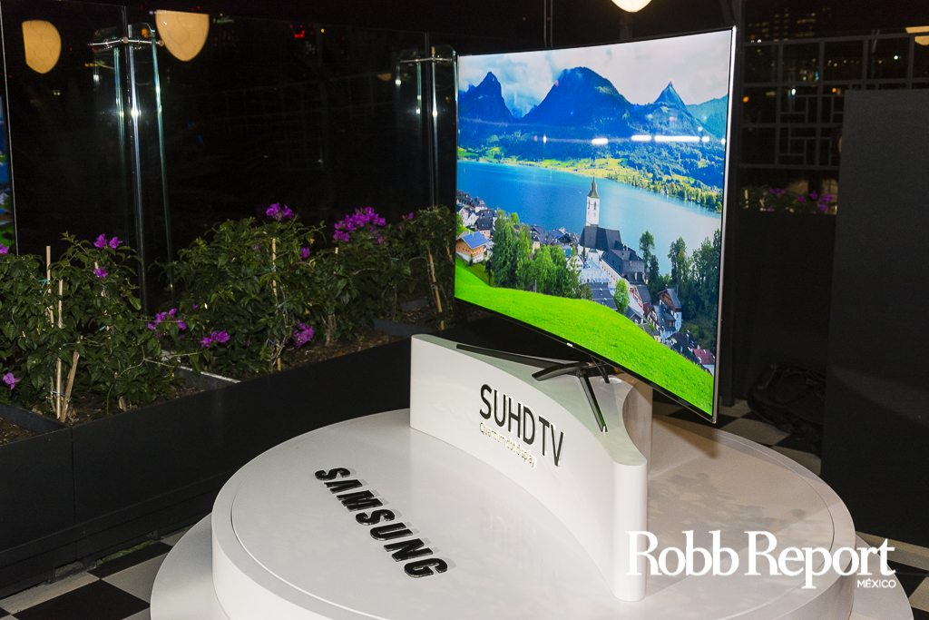 Celebramos el lanzamiento de los televisores SUDH de Samsung