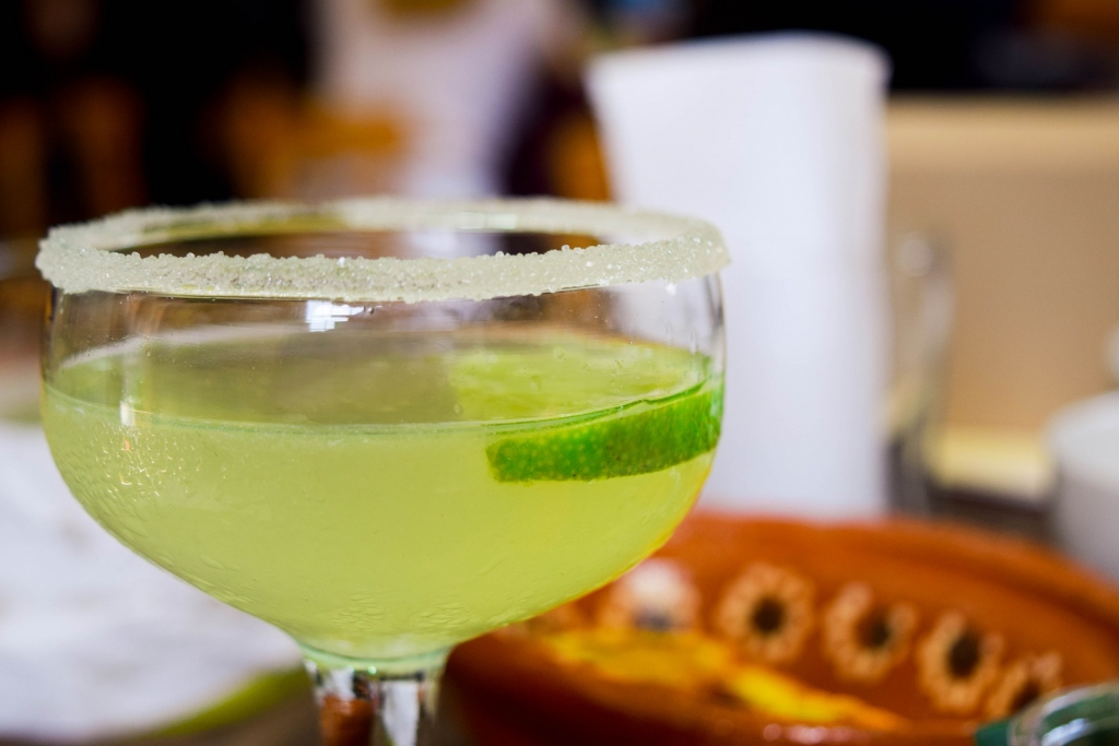 tequila 3647876 1920 1024x683 - Te contamos la historia de los cócteles con tequila más famosos
