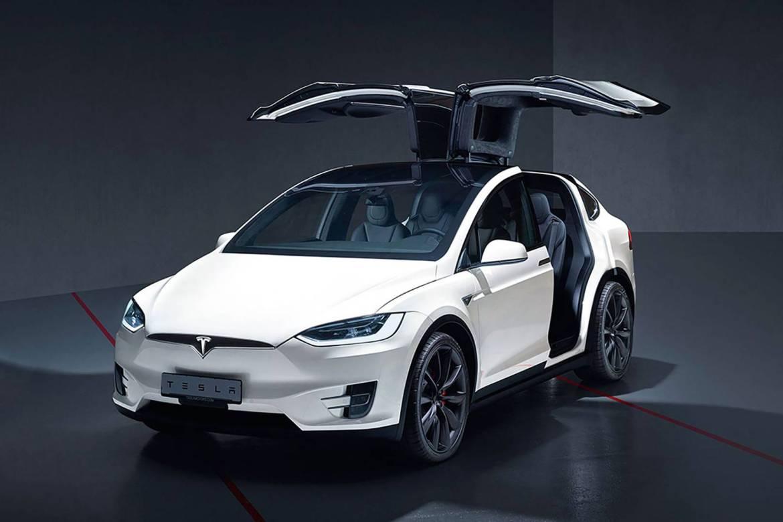 tesla la chida - Necesitas este SUV de Tesla para cargar con todo y con todos ¡Conócelo!