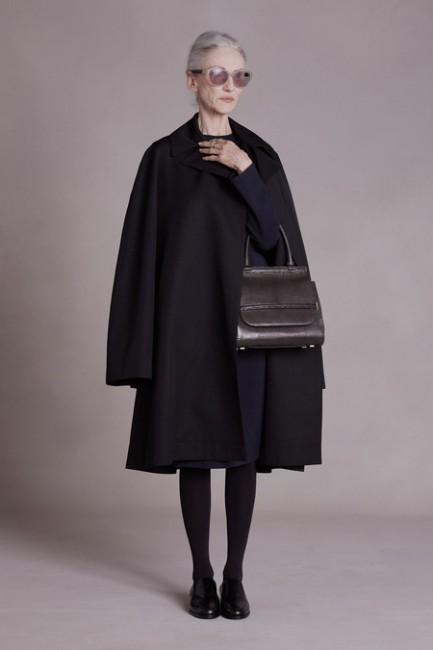 the row lookbook4 433x650 - ¿Por qué es mejor invertir en alta costura que en fast fashion?