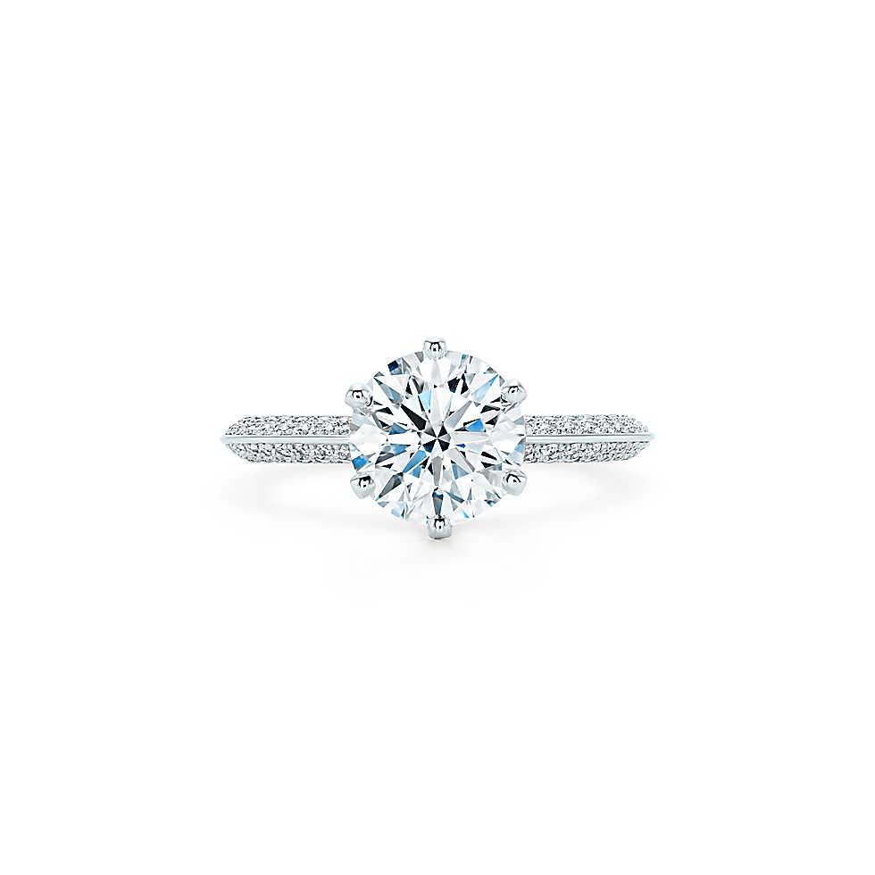 tiffany setting en pav 37054623 RG MAIN m - Con estos anillos harás surgir la pregunta: ¿te quieres casar conmigo?