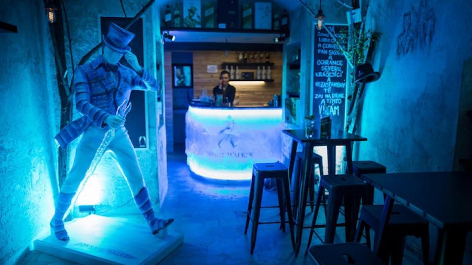 whitewalker popup 1 960x540 - En este bar temático de Game of Thrones el invierno se siente más que nunca