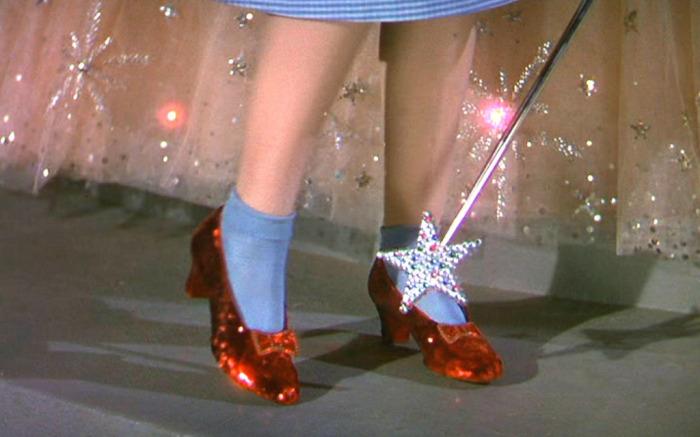 wizard of oz - Después de 13 años, aparecen las zapatillas robadas del Mago de Oz