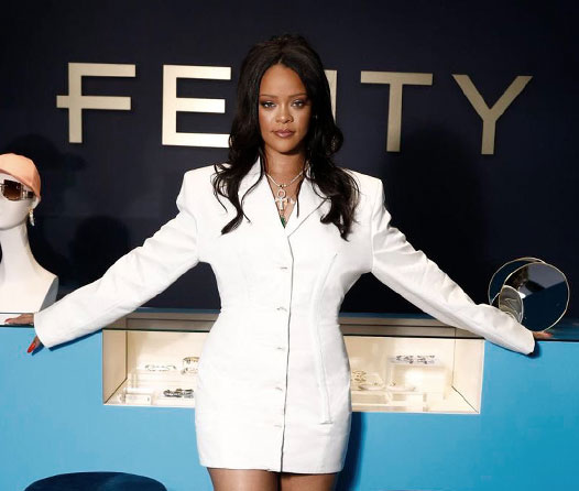 ¡Rihanna lo hizo! Así se ve su primera colección para LVMH