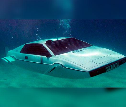Elon Musk quiere hacer su propio auto submarino