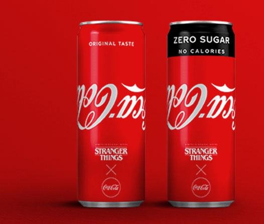 Coca-Cola ha invertido su logo por culpa de Stranger Things (y te va a encantar)