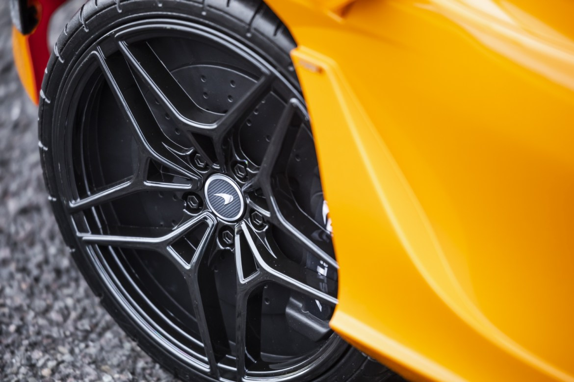 Llantas McLaren 720s Ride-On