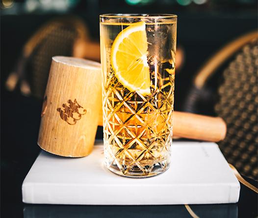 ¿Quieres preparar cócteles con whisky fácil y rápido? Tenemos estas opciones